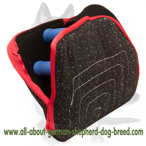 Comfortable to hold bite builder for puppy/young dog training