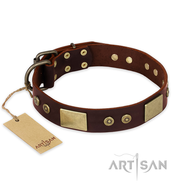 Fashionable natural genuine leather dog collar for handy use