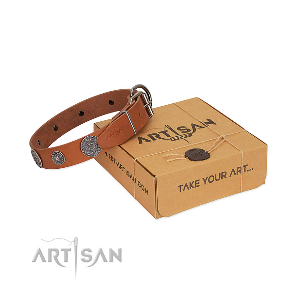 Perfect fit dog collar of full grain natural leather