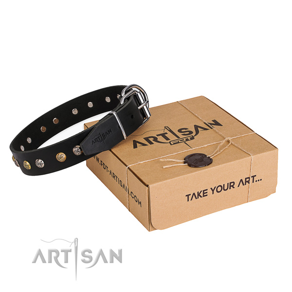 Stylish design genuine leather dog collar for daily walking