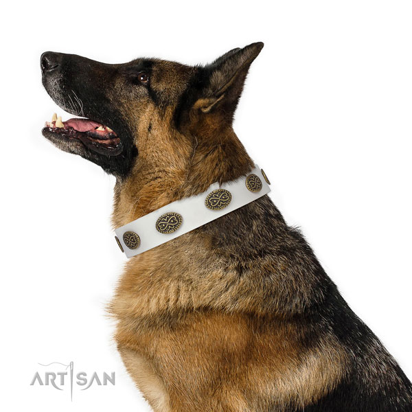 German Shepherd unique full grain genuine leather dog collar for stylish walking title=German Shepherd natural genuine leather collar with embellishments for daily use