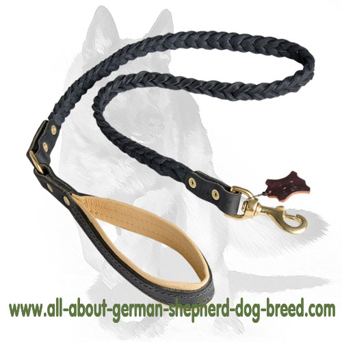 Comfortable and soft genuine leather leash