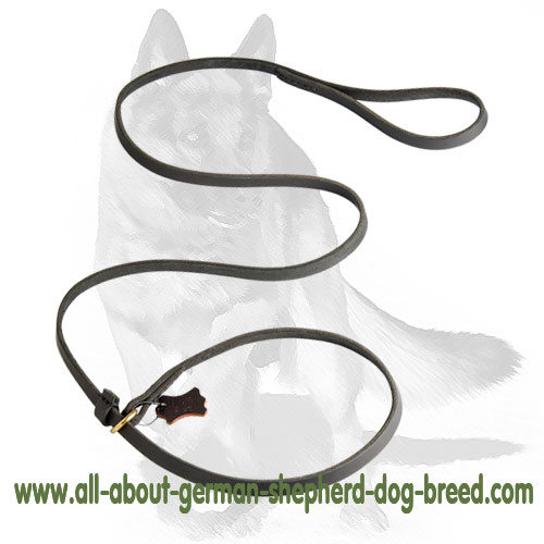 Extra soft and comfortable leash made of genuine leather